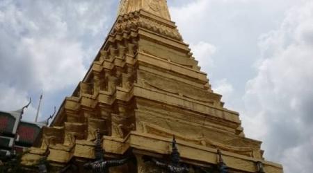 Tour di Bangkok tra templi, benessere e nightlife